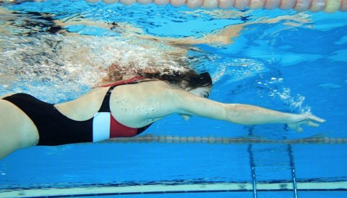 Плавание и упражнения в бассейне в борьбе с целлюлитом || Вода против целлюлита